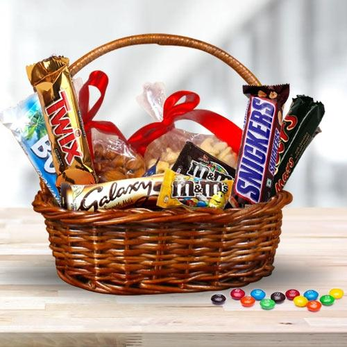 Delicious Dry Fruits n Imported Chocolates Gift Hamper
