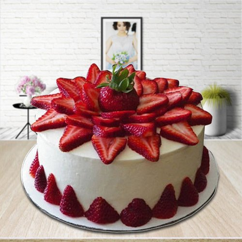 Piece-of-Relish 2 Kg Strawberry Cake