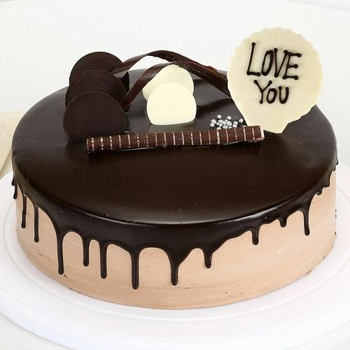 Yummy Propose Day Gift of Love You Chocolate Cake