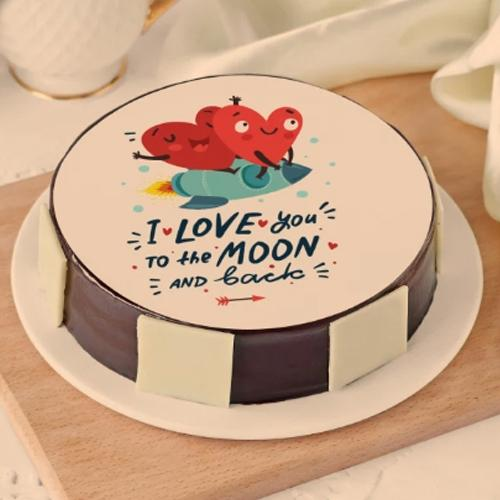 Surprising Hug Day Gift of Personalized Chocolate Cake