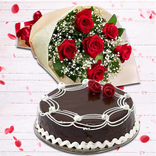Glamorous Red Rose Bunch with Chocolate Cake<br>