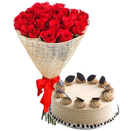 Striking Combo of Red Roses Arrangement N Coffee Cake