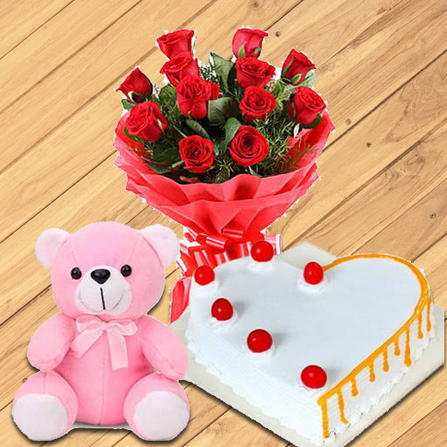 Charming Roses with Heart Shaped Cake N Teddy