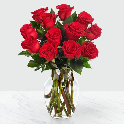 Magnificent Red Roses Arrangement in a Glass Vase