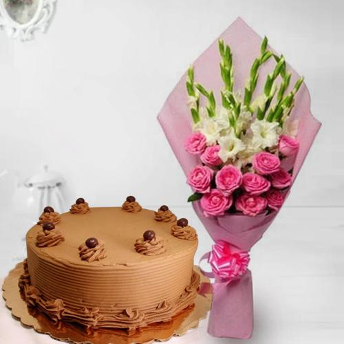 Exquisite Roses n Gladiolus Bouquet with Chocolate Cake
