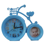 2 Wheeler Winsome Picture Stand