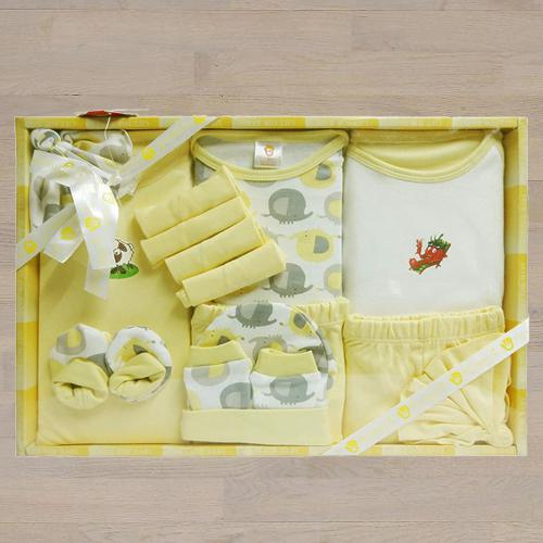Marvelous Gift Set of Cotton Clothes for New Born Baby